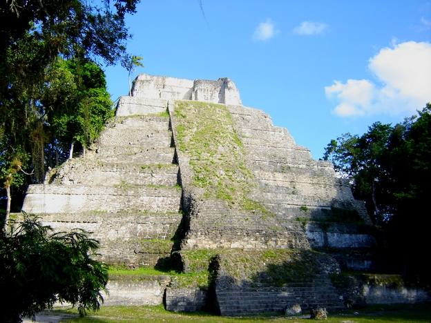 site maya de yaxha guatemala