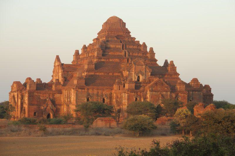 Coucher de soleil à Bagan au Myanmar