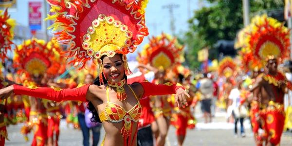 http://blog.altiplano-voyage.com/wp-content/uploads/2012/11/carnaval-barranquilla-colombie.jpg