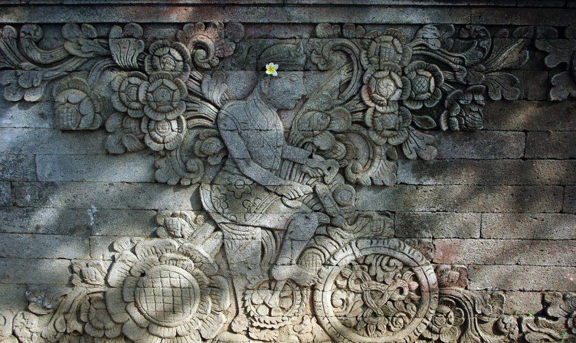 temple-bali-bas-relief