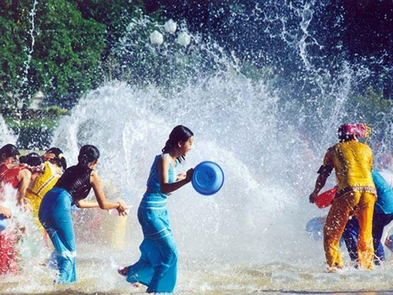 femmes-songkran
