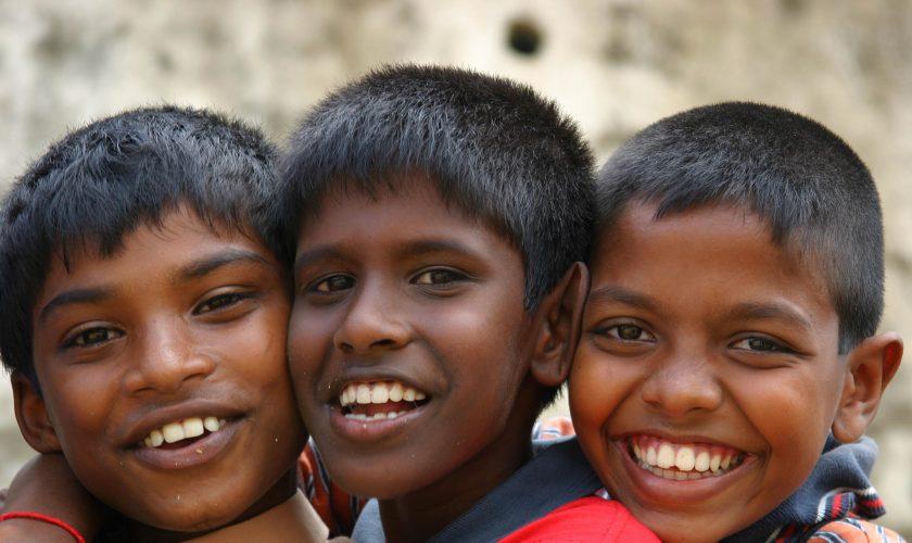 voyage-srilanka_sri-lanka-children-smiling