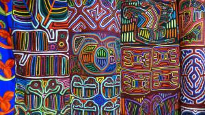 """Les """"molas"""", sculptures sur tissu originaires du Panama"""