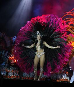 Copie web Carouge136-Samba City - Selaron Stair Cases - Santa Teresay - fancy dresses - Copie
