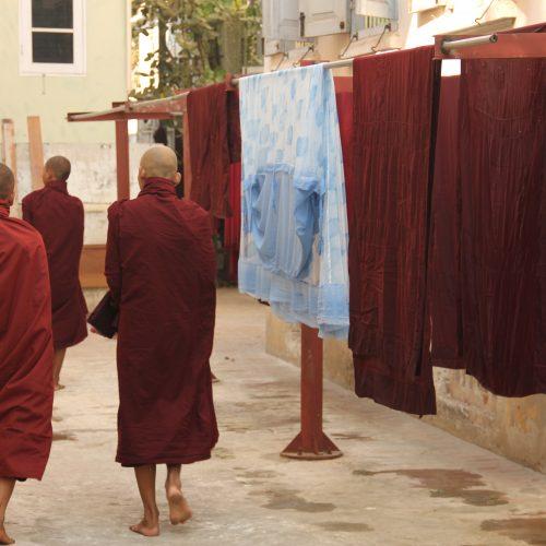 MANDALAY Monastère Mahagandayon