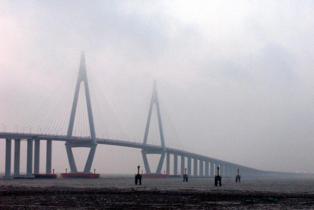 Pont de Hangzhou - par Damon Woo sous licence Creative Commons 2.0