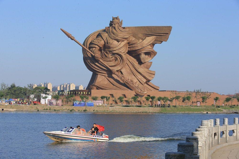 guan-yu-statue
