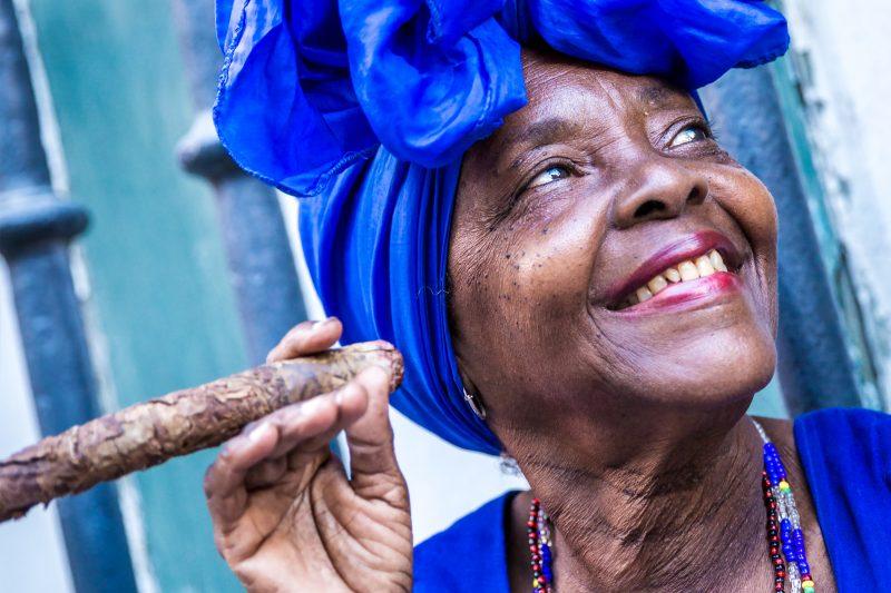 Une Cubaine dans les rues de la Havane