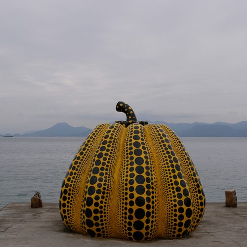 Yellow pumpkin, Naoshima