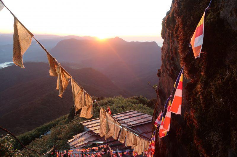 Lever de soleil lors de l'ascension de l'Adam's Peak, Sri Lanka