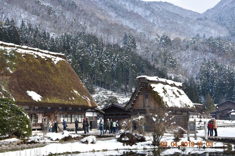 village enneigé de Shirakawa-go Alpes Japonaises, Japon