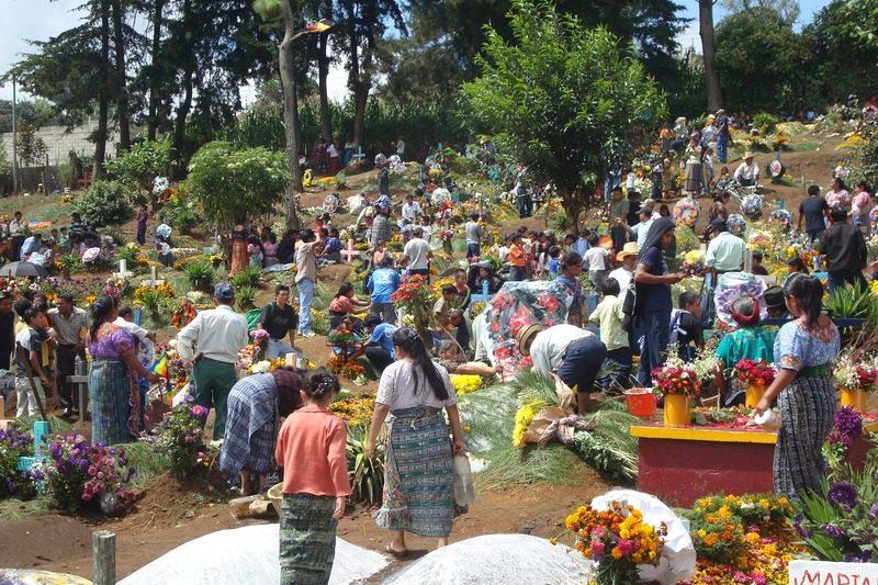 cimetiere fête guatemala