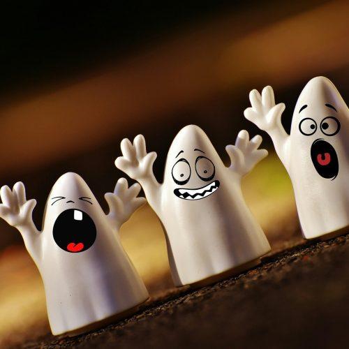 halloween-1746354_1920-min