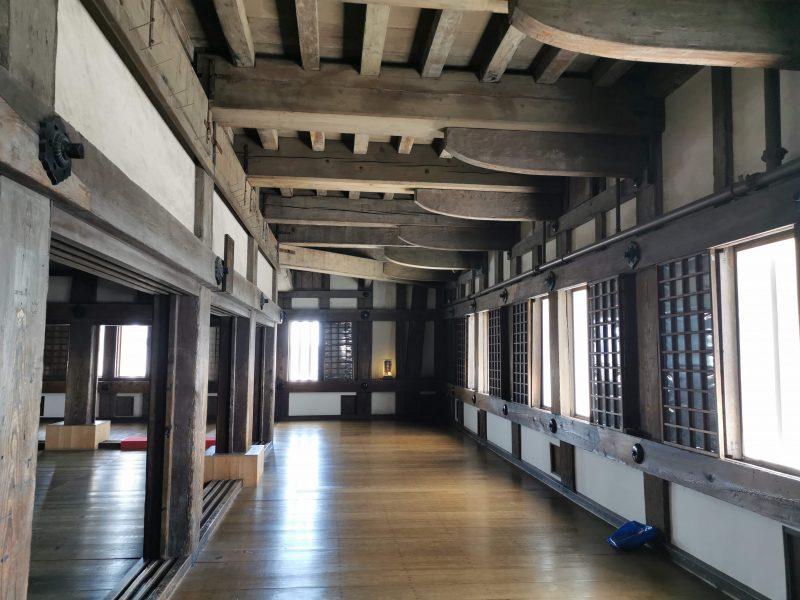 himeji-chateau-interieur-japon
