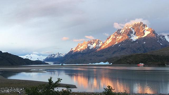 Jeu de lumières au parc Torres del Paine