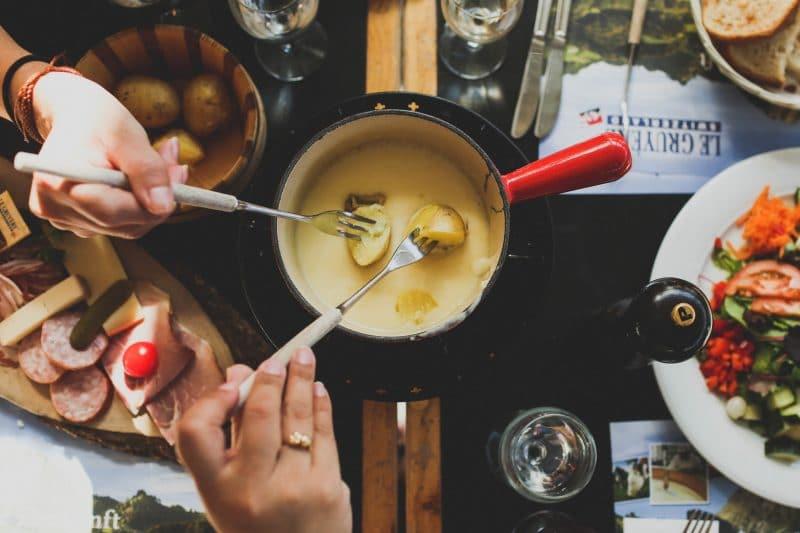 fondue à Gruyère en Suisse