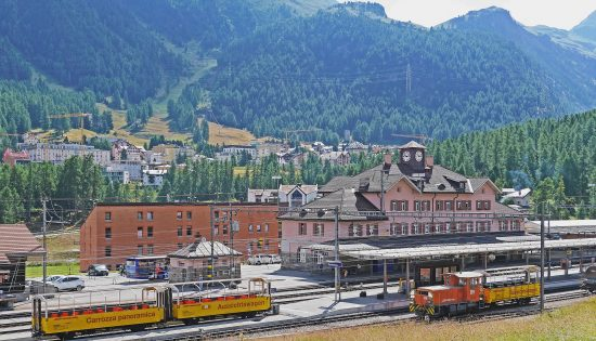 station_train_pontresina_suisse